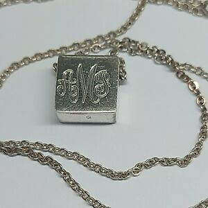 Solid sterling silver 925 necklace and pendant Dz24 18 inch initial please read.