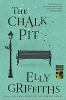 The Chalk Pit (Ruth Galloway Mysteries) - Paperback By Griffiths, Elly - GOOD