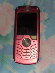 Spoilt Motorola handphone for cheap sale