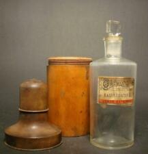 """Apothekenflasche """"Eau Sédative"""" in Holzdose. Frankreich, 19.Jh."""
