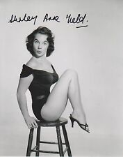 Shirley Anne Field Signed 8x10 Photo -Star of THE ENTERTAINER - PERKY!!! G712