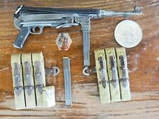 Dragon 1/6 Scale German WWII MP40 Machine Gun With 2 Clips And 2 Pouches