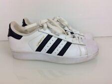 uk availability a5c65 f74b2 Auténticos Adidas Superstar entrenadores en cuero blanco y negro TRIM. MBC.  Rein.