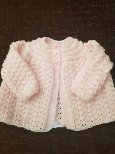 BEAUTIFUL HAND KNITTED MATINEE COAT/CARDIGAN 0 - 3 MONTHS NEW