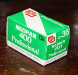 FUJI NEOPAN 400 Professional Black & White Film 135-36 36 Exposures