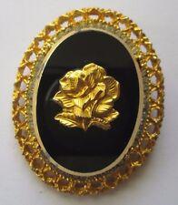 broche ancien bijou vintage camée fleur relief noir contour couleur or 3512
