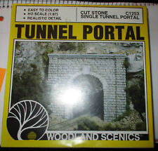 HO 2 WOODLAND SCENICS TUNNEL PORTAL -NEW COND.