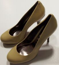 DKNYC Women's Orinda High Heels Size 7.5 Shoes Patent Leather Camel / Tan Pumps