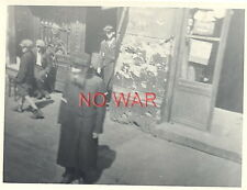 1940 ORIGINAL OLD PHOTO JEW JEWISH ELDER MAN & BOYS CIVILIANS IN GHETTO POLAND