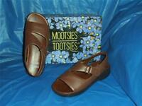 Mootsies Tootsies, Womens Brown, Comfortable Sandal, Size 8 M, Fits ( B-to-C )