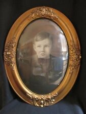 ANTIQUE OVAL WOOD PICTURE FRAME WITH B&W PHOTO AND CONVEX/DOMED GLASS