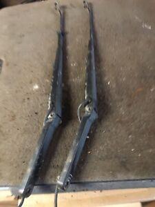 2000 Chevrolet Silverado Wiper Arms