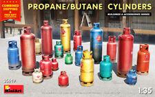 Miniart 35619 - 1/35 - PROPANE/BUTANE CYLINDERS. Plastic model kit