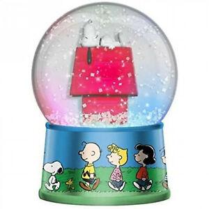 Peanuts Snoopy Light Up Snow Globe Clear