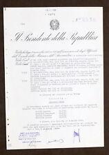 Decreto Repubblica Italiana con autografo di Andreotti e Giovanni Gronchi - 1960