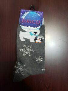 Davco Brand Christmas/Holiday SOCKS Dog and Penguin Snowflakes Brand New