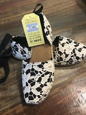 NWT TOMS Katalina Birch Floral Lace Up Shoes Women Size 9.5
