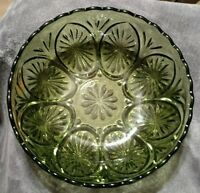 """Mint Avocado Green Pressed Glass Serving Bowl Star and Cameo Anchor Hocking 8"""""""