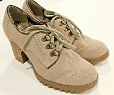 Skechers Size 7 M Taupe Grey Beige Lace up Oxford Heel Rubber Non Slip Sole Shoe