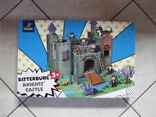 Tchibo Ritterburg aus stabilen lamenierten Karton zum Zusammenbauen mit Figuren