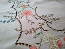 "Pretty Madeira Floral Applique, Cutwork, Embroidered Linen Tablecloth 102""×67"""