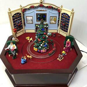 Mr. Christmas Holiday Music Box Animated Scene 30 Christmas Carols Wooden Base