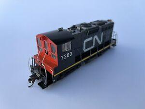 Custom Made Athearn Canadian National Sweep #7300 Ho Scale Train Locomotive NICE