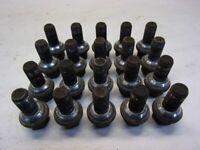 MERCEDES M-KLASSE (W164) ML 05-09 Radbolzensatz 20 Stück
