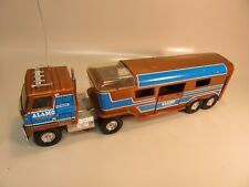 Ertl Metal Alamo Truck and Horse Trailer