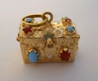 HEAVY Vintage 18k Gold JEWELED TREASURE CHEST Bracelet Charm OPENS 9.3 G #19093A