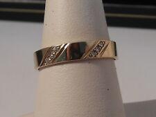 30H Gents or Ladies 9ct gold diamond 4mm wedding band