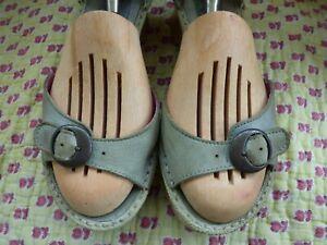 T 38 sandales Kickers cuir vert  semelle compensée talon bois lanière cheville