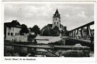 Ansichtskarte Hameln (Weser) - An der Weserbrücke mit Passanten - schwarz/weiß