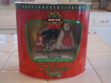 Mattel Hot Wheels Millennium Edition Holiday Future Set 3 of 3 Santa Spaceship