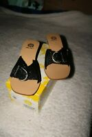 Yellow Box Slide On Sandal Crosshatched Pleather w/Buckle Size 9M Ret $95 CUTE!
