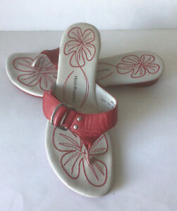 Hugs Puppies Red Flip Flop Sandals Size 4 worn once