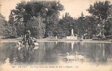 LE PUY - la pièce d'eau du Jardin du Fer à Cheval