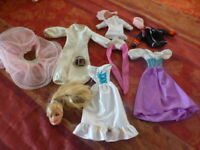 lot barbie,poupée mannequin  11piéces  dont une téte de barbie