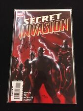Secret Invasion Vol.1 # 1 - Dynamic Forces Signed by Brian Michael Bendis