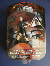 PLAYMATES LARA CROFT TOMB RAIDER in combattimento Training Gear Action Figure