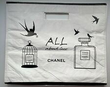 CHANEL COSMETIC/MAKEUP BAG POUCH CLUTCH WHITE BIG VIP GIFT VERY RARE