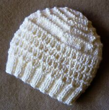 BABY BEANIE. HAND-KNITTED BY ME. CREAM. WOOL BLEND. BOY OR GIRL. CUTE.