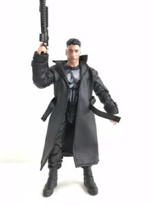 "PB-LTC-BLK: 1/12 Black Wired Trench Coat for 6"" Mezco ML Punisher (No Figure)"