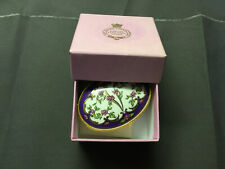 THE ROYAL COLLECTION QUEEN VICTORIA GOLDEN AGE BONE CHINA TRINKET BOX