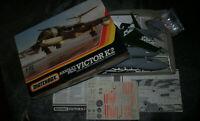 Maquette MATCHBOX HANDLEY PAGE VICTOR K2 1/72  ref PK 551 - démarrée