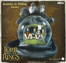 Lord of the Rings : Hobbits in Hiding Globe figure Neca