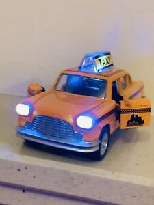 TAXI NEW YORK YELLOW CAB 1/32 DIECAST CAR - MUSIC SOUND LIGHT OPENING DOOR