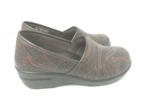Easy Works by Easy Street Women Slip Resistant Clogs, Brown Tooled -Size 10 Wide