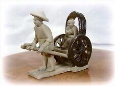 Bonsai Figur Mönch in Rikscha Porzellan Figuren Koi Asien  Asiatika Keramik
