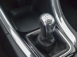 HOLDEN COMMODORE/HSV VF V8 6SP MANUAL BLACK LEATHER GEAR KNOB & BOOT COVER LS2